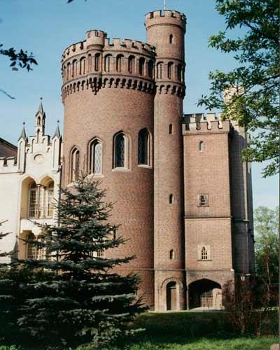 c7f0e9c1 Zamek w Kórniku - Wielkopolska noclegi, agroturystyka, pensjonaty ...